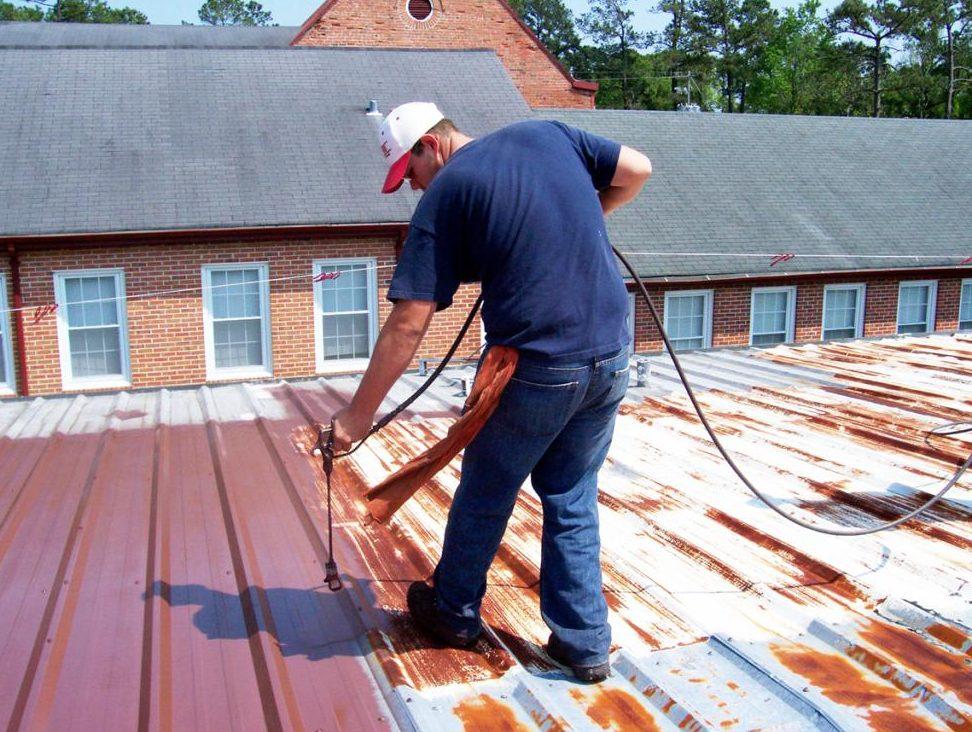 резиновая краска по крыше непосредственно окрашивание