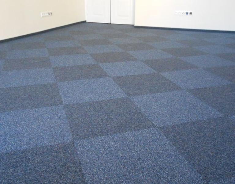 половое покрытие из ковровой плитки