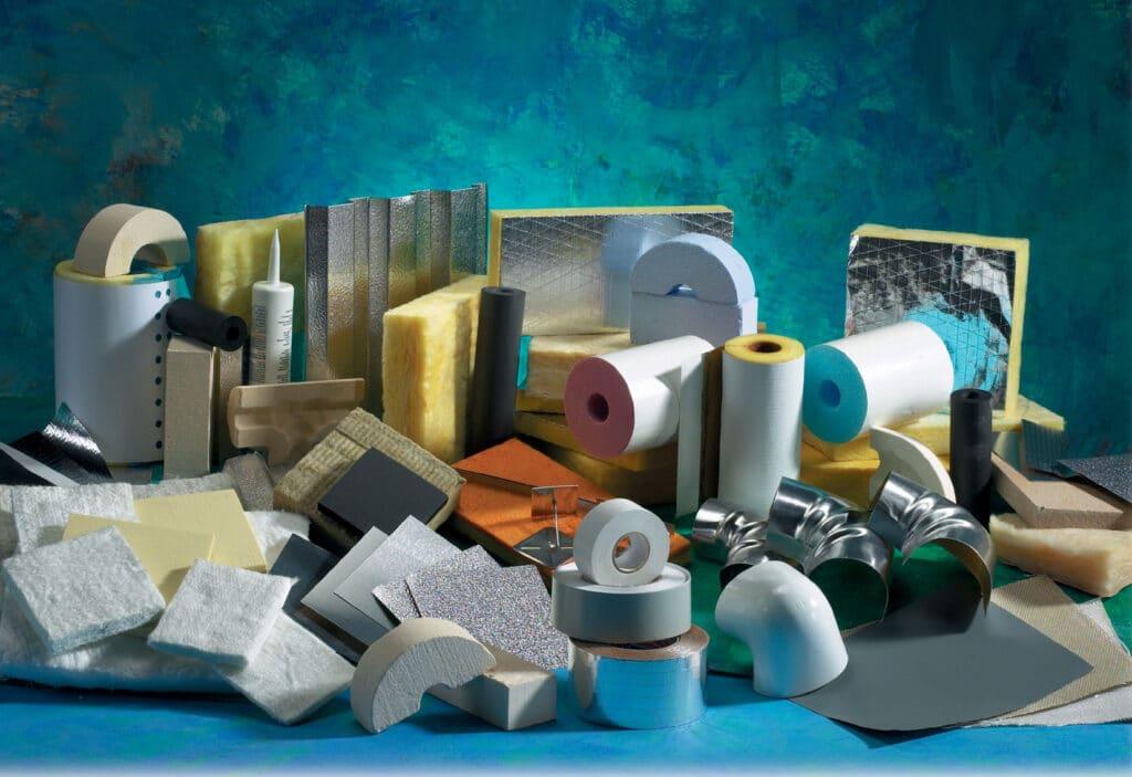 строительные материалы на полу